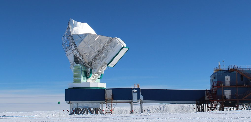 The 10-meter South Pole Telescope, at the National Science Foundation's Amundsen-Scott South Pole Station, joined the global Event Horizon Telescope array in January 2015.